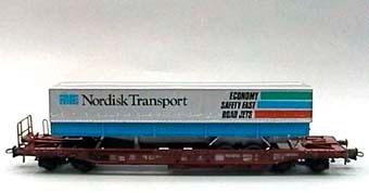 Modell av godsvagn SDKMS 707 Nr:81 80 475 3 334-9 Skala 1:87  Lastad med NTS-trailer.  Modell/Fabrikat/typ: Ho