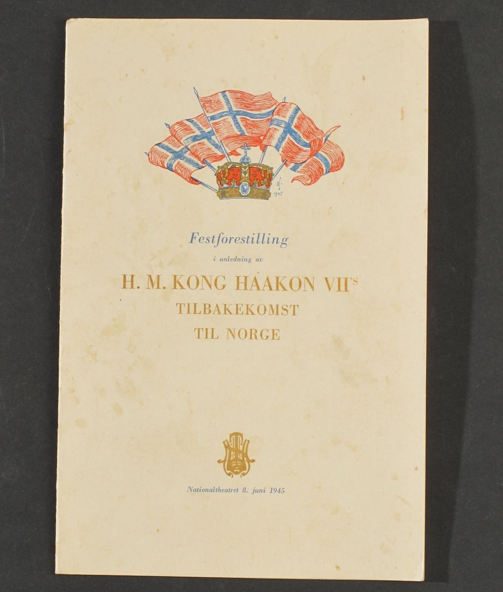 Minner fra fredsmarkeringene sommeren 1945: a) Hovedprogram, 7.juni 1945  b) Program, Det Norske Teateret, 7.juni 1945  c) Program, festforestilling, Nationaltheateret 8.juni 1945  d) Stensil, 10+10 kampbud, fra Hjemmefrontens ledelse, 2 eks.  e) Aviser, Agderposten, Oslo-pressen, fra maidagene 1945.
