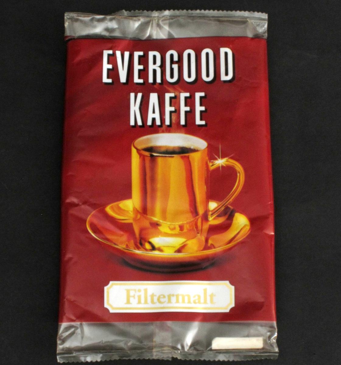 Gullkopp med kaffe