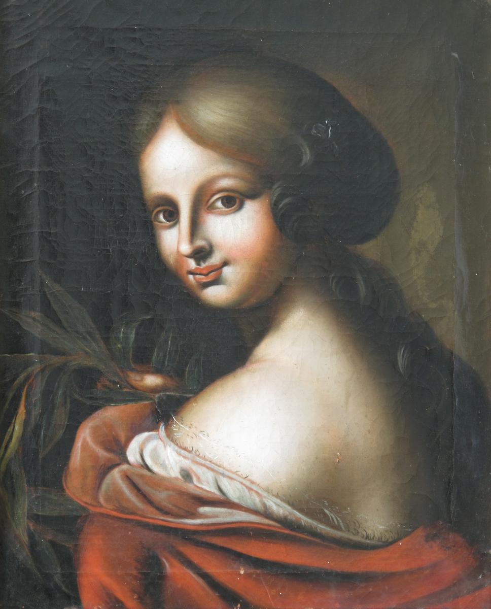 """Ung dame med laurbærgren. """"Laura"""". Brystbilde (skulderbilde), av ung kvinne med ryggen til, snur seg over skulderen mot tilskueren. Skulder og rygg naken, rød kappe foret m. blekræd silke over rygg og overarm, en hvit chemise kantet m. smal fin knipling kommer til syne. Kvinnen har skill i midten, håret faller tungt ut på sinde av hodet og er samlet bak i nakken, faller fra nakken nedover ryggen. Holder høyre hånd opp for brystet, med en laurbær (palme?)- gren, et udøreligetts - , lærdoms - og seierssymbol. Italiens renessanse prototyp, dette er fransk ell it., evt. eng. utgave fra den akademiske renessansetrad.s siste år omkr. 1790.  Håndverkspreget verkstedarbeide."""