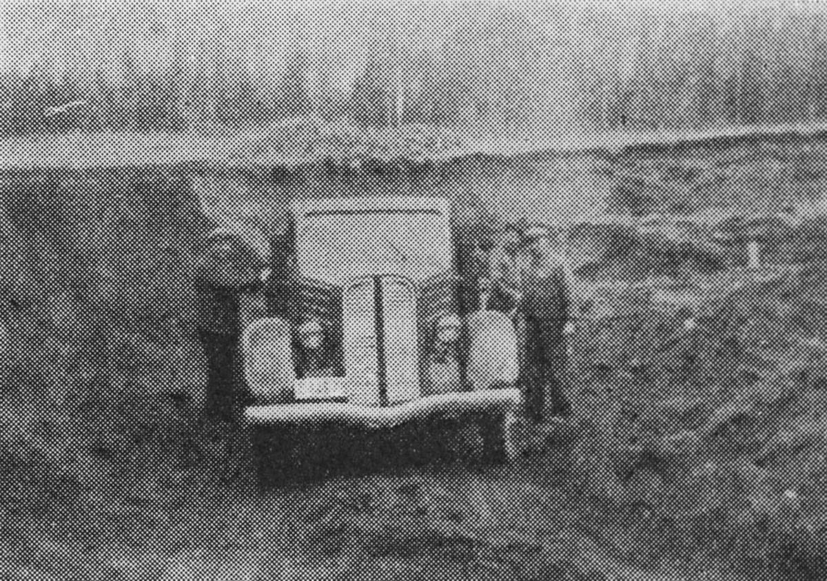 M. Klevelands transportbil.