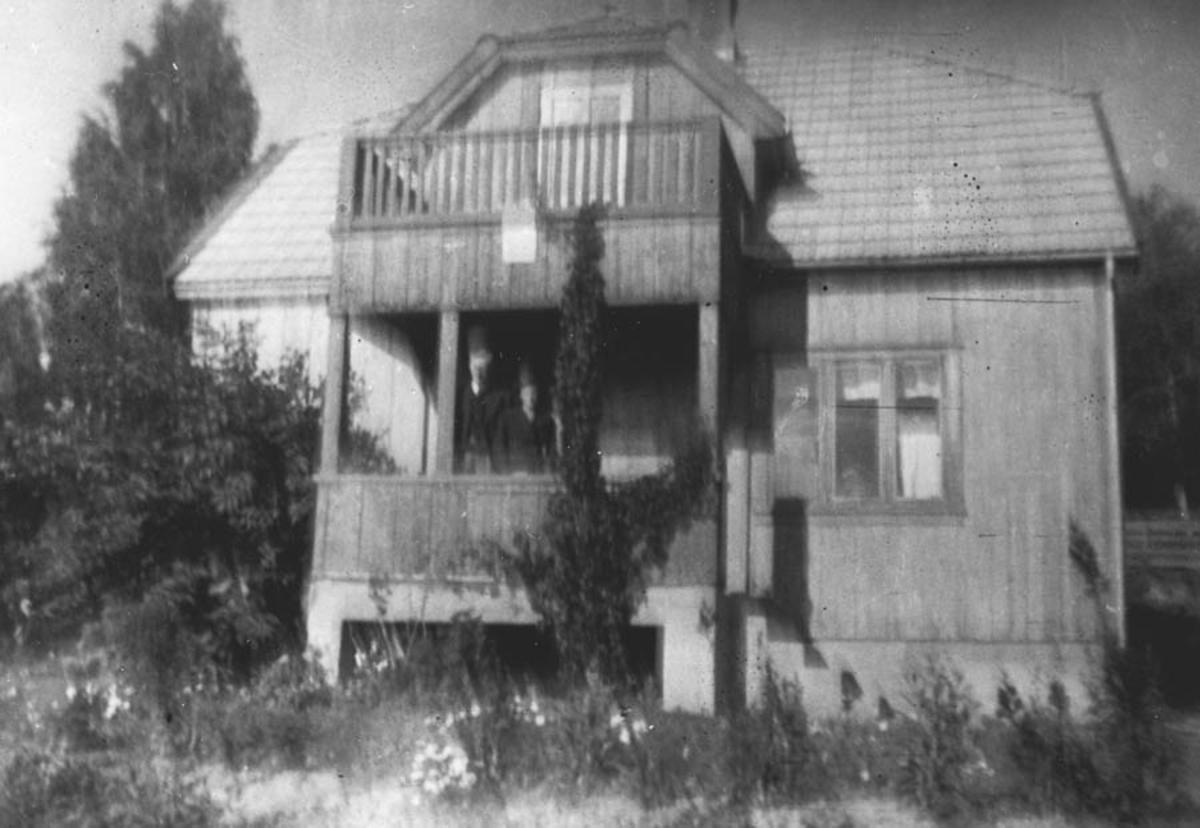 Bolighus, villa.