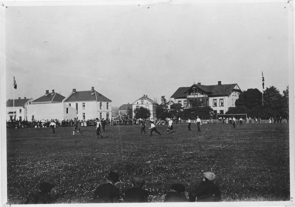 Fotballkamp på Tærudløkka.