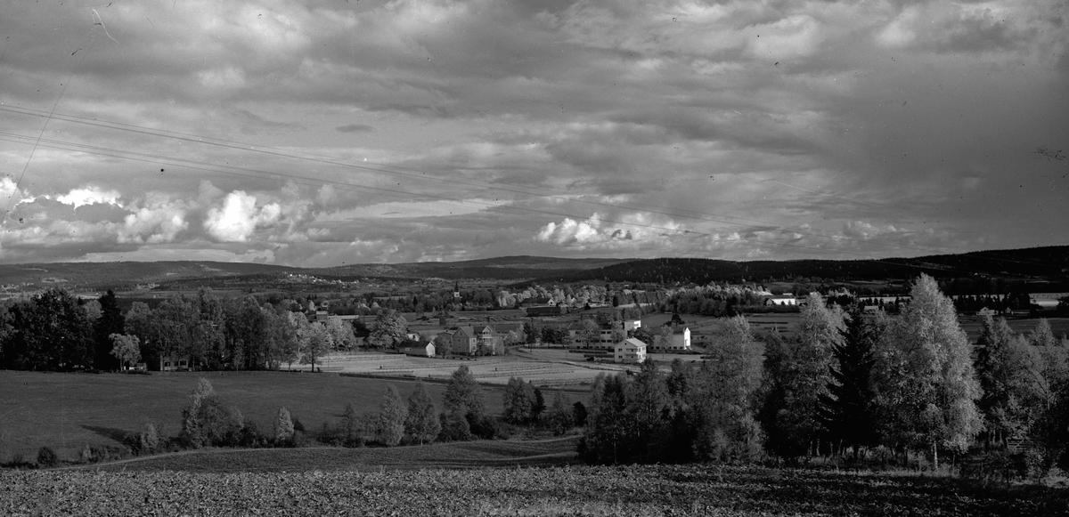 Utsikt fra Åsleia over Hammerstad og Ås skole.