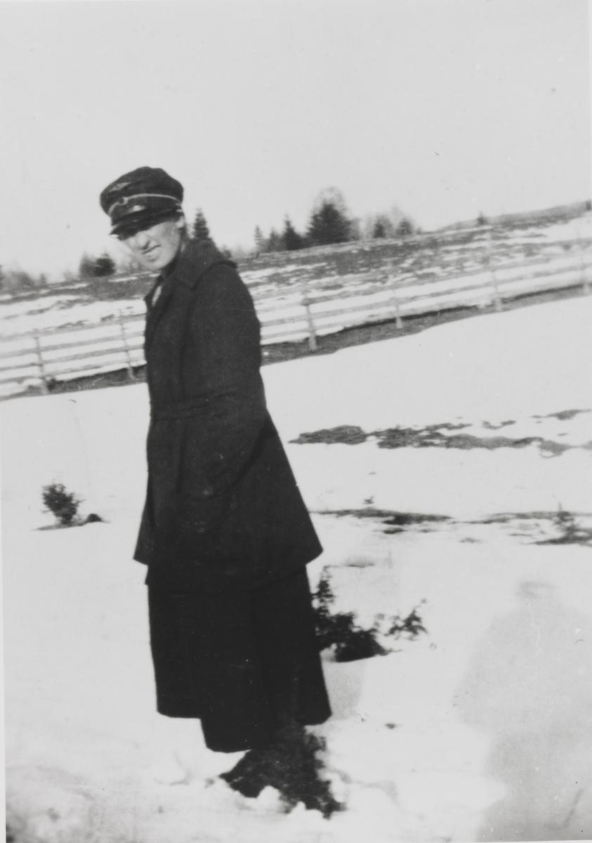 Stasjonsekspeditør Anne Sannerud på Hornåseng stasjon.
