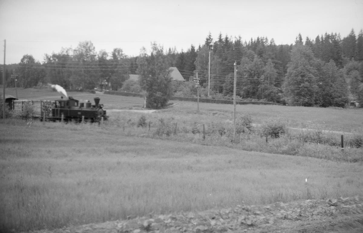Tog retning Skulerud ca 200 m nord for innkjørsignalstedet på Skulerud stasjon.