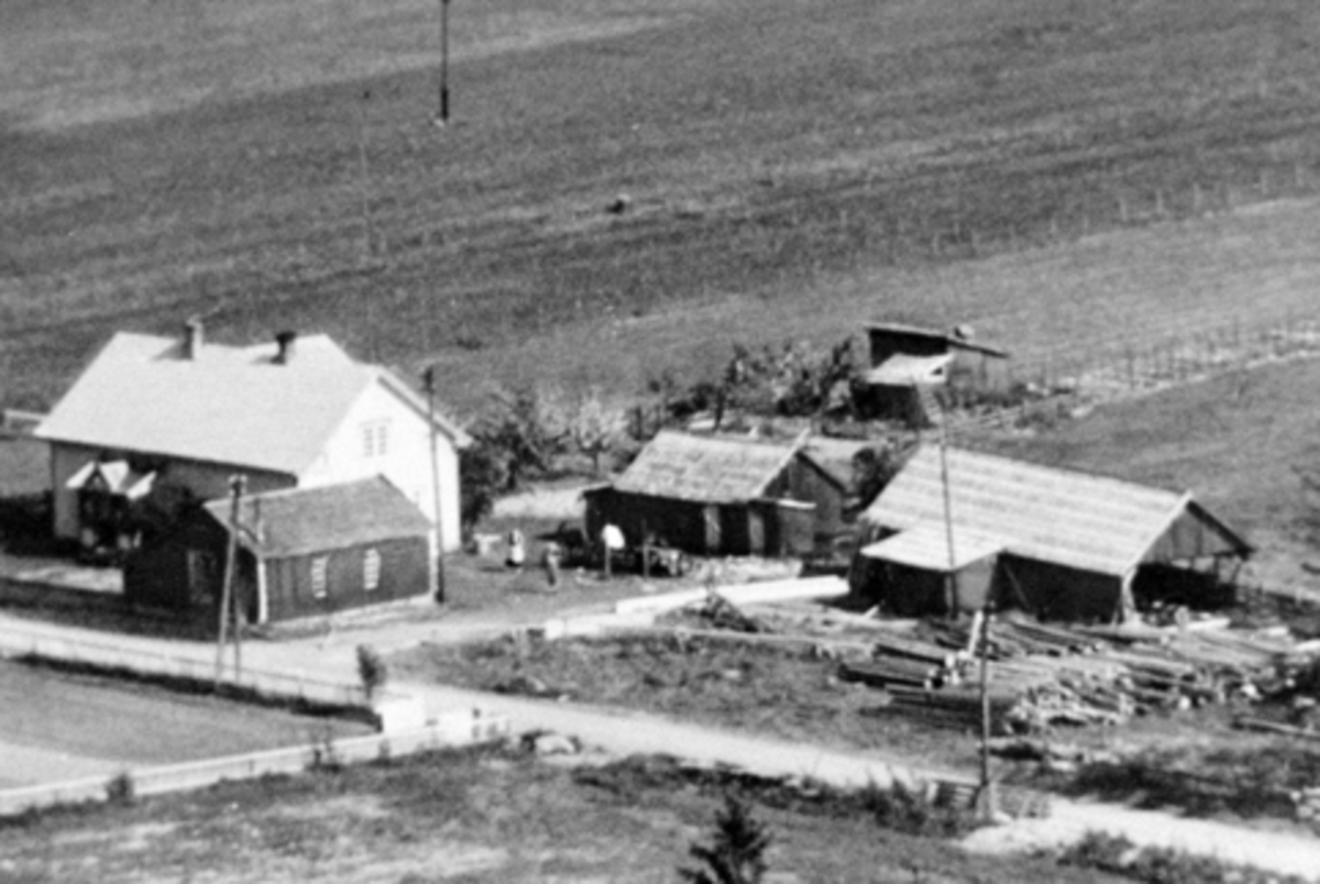 Sletvold, Nes, Hedmark, bygd 1920. Sagbruk og snekkerverksted anlagt av Torger Olsen Gaalaas i 1932.