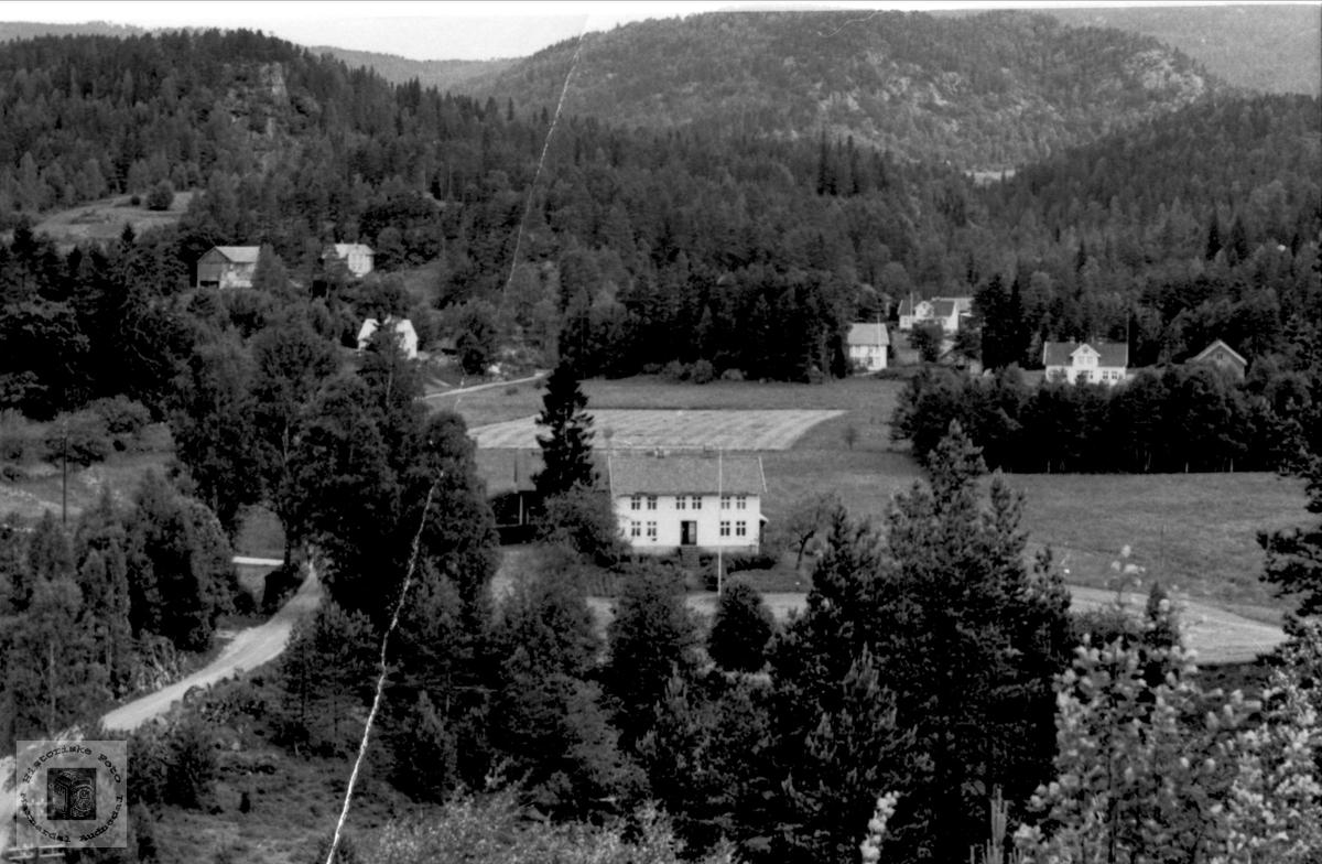 Foss i Bjelland. «Under Haugen» - poståpneriet på 4546 Foss i Bjelland