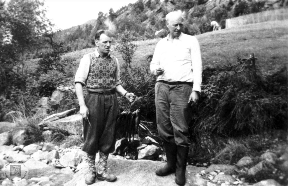 På fisketur. Jørgen Laudal og Søren Aukland.