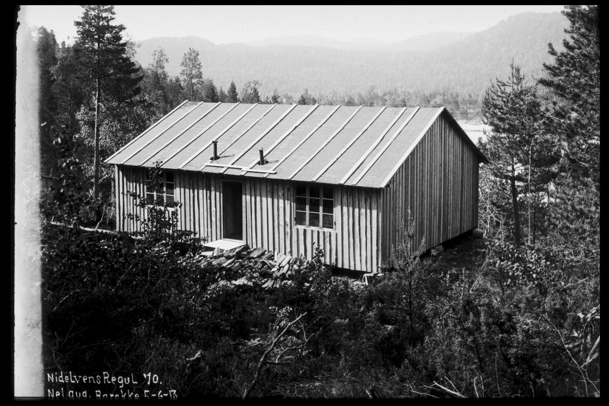 Arendal Fossekompani i begynnelsen av 1900-tallet CD merket 0474, Bilde: 83 Sted: Nelaug Dam Beskrivelse: Brakke