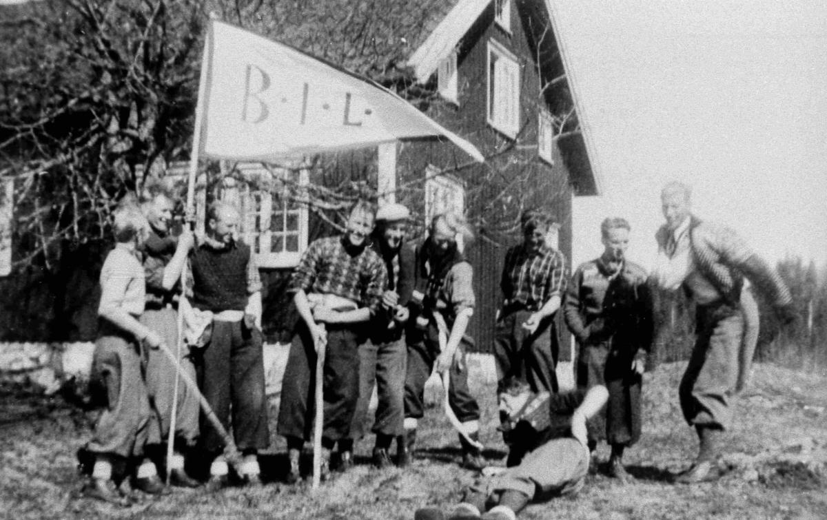 Bilder fra Birkenes kommune BIL-medlemmer feirer 17. mai i 1942