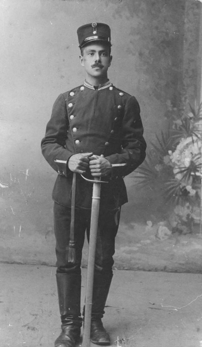 Henrik Thoug i uniform, født 17.01.1892,død i Oslo 29.11 1918