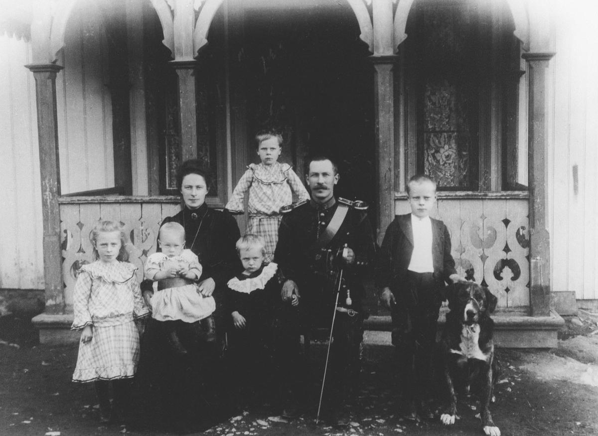 Georg Ekerholt og Josefine (f.Kjærstad) m. 5 barn