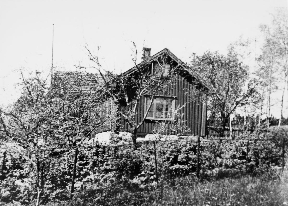 Fagerholt, Raveien (nabo til Eriksens bilverksted)