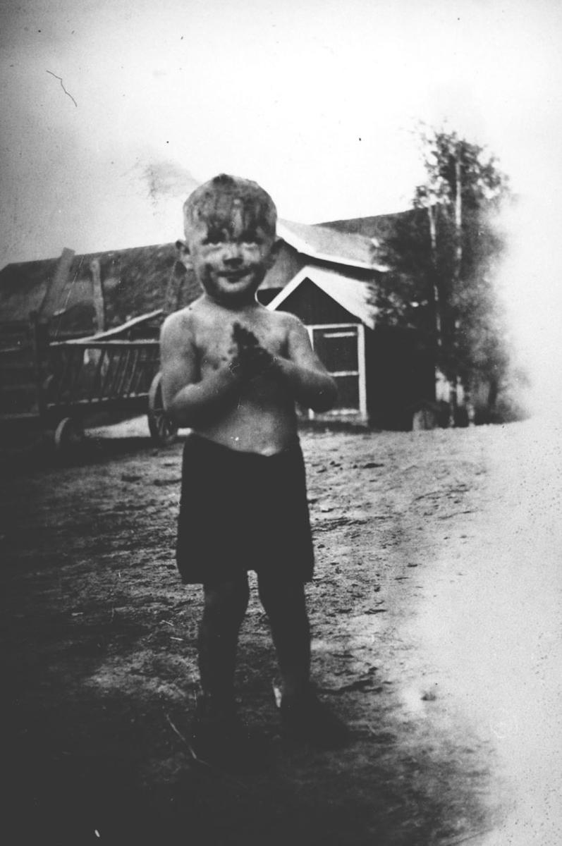 Knut Averstad har vært i brønnen og lekt med endene.