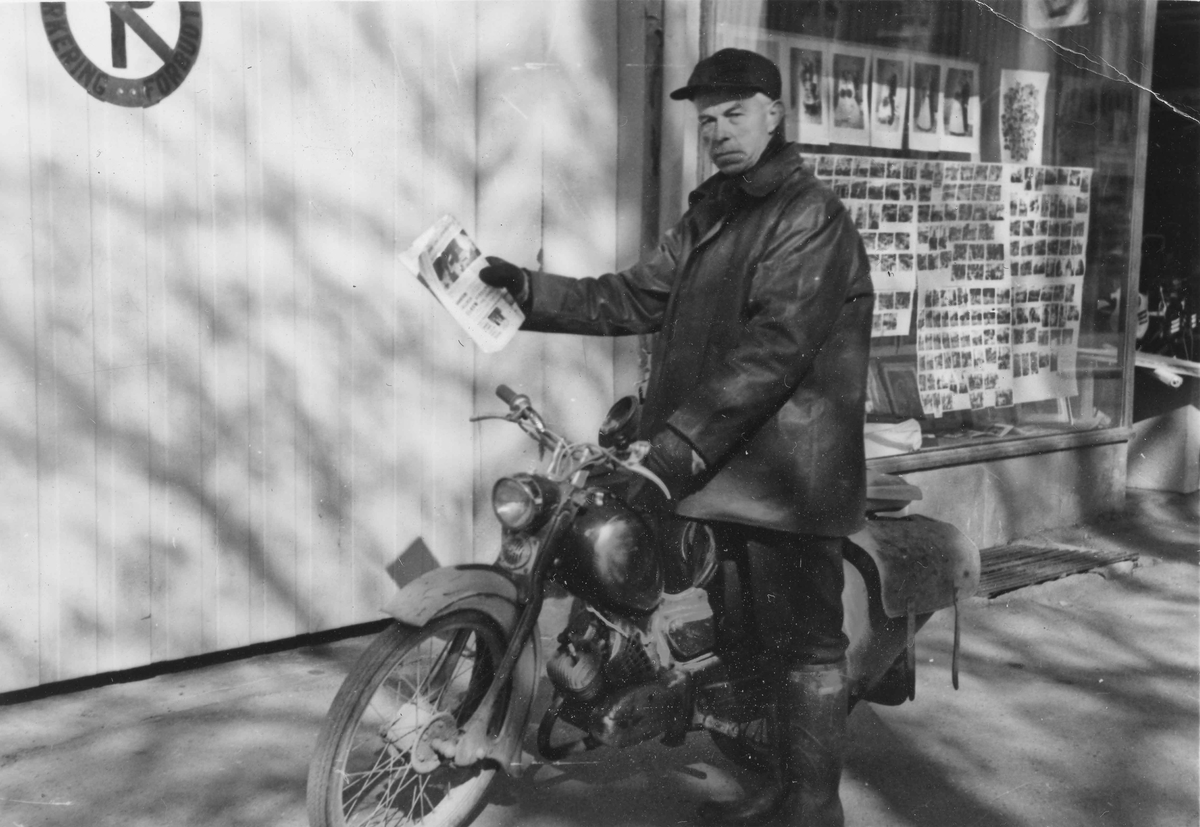 Nils Pedersen fra Styri med sin Zündapp moped.