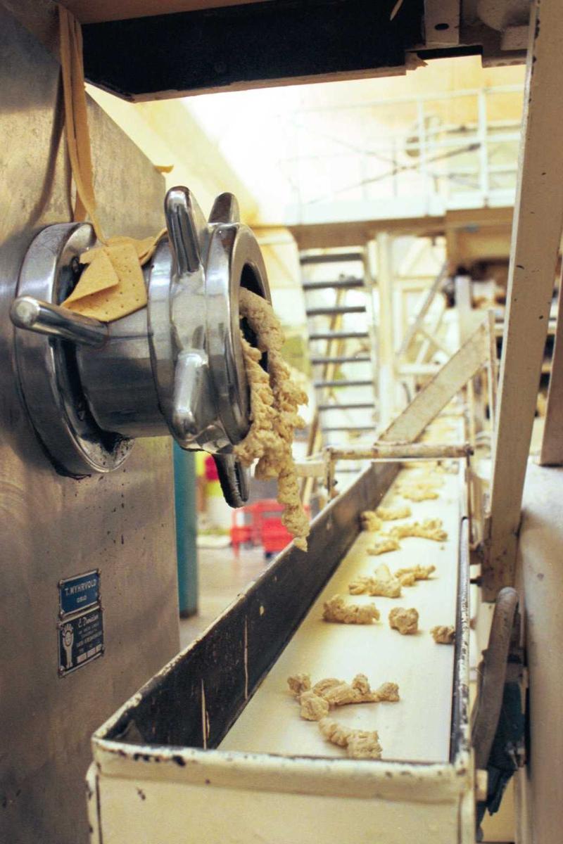 Maskiner, deig, kjeks, Cream Cracker, fabrikkmiljø